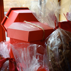 Settepani's chocolate panettone comes in a beautiful gift-worthy box.